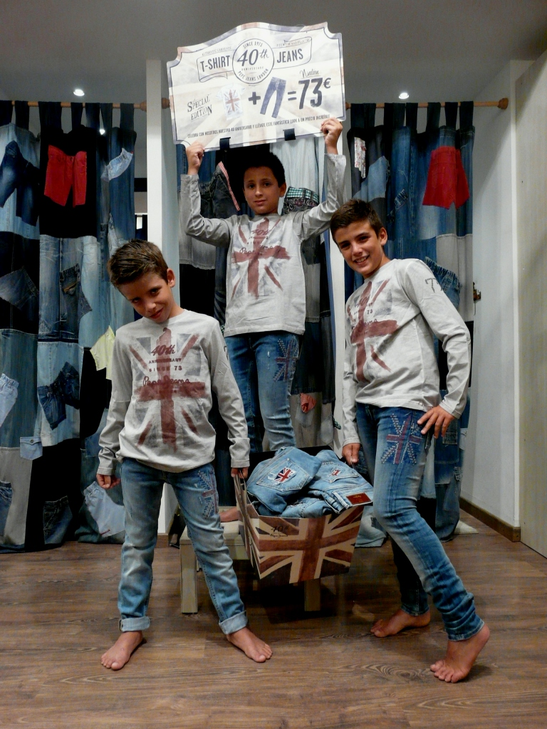 Vaquero y camiseta Pepe Jeans, precio de aniversario: 73€