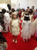 Preparando el desfiles, Feria de la Comunión 2014