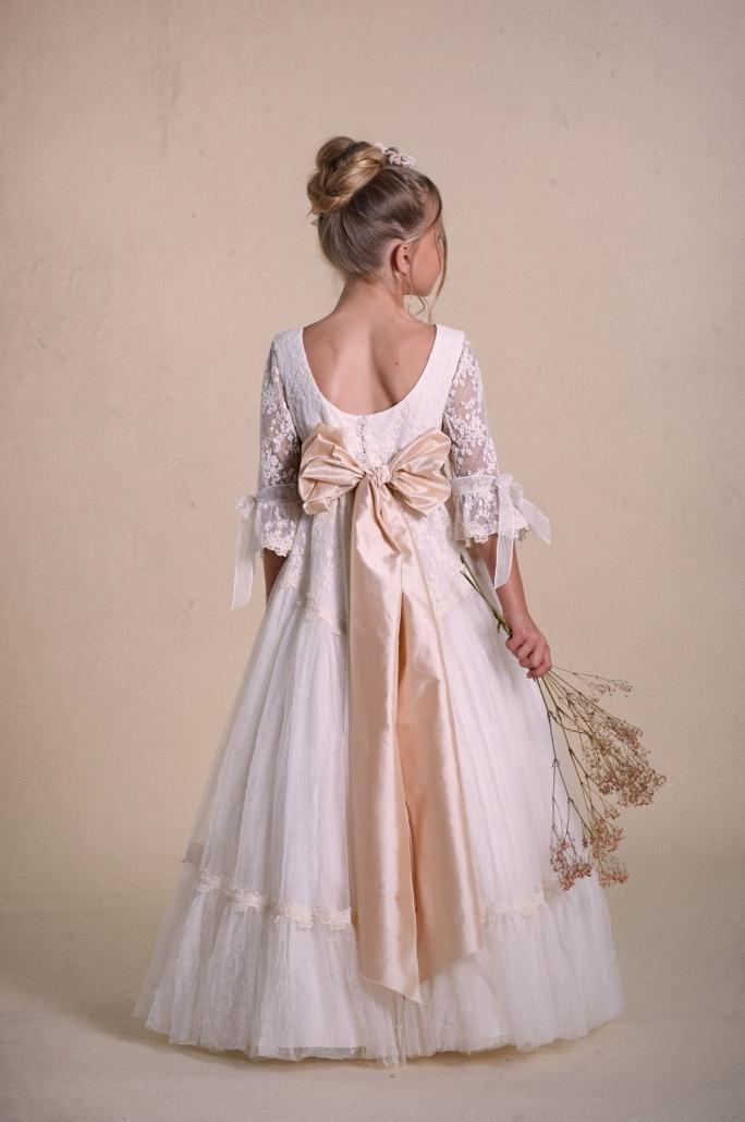 Vestidos-de-comunión-2020-10-e1570196637894-684x1030